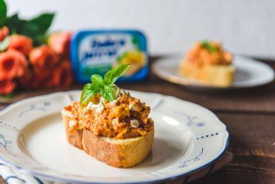 Jaja na tostu na Grčki način
